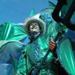 Stelzen Walk Act, Triton, Neptun, Neptun Kostüm, Wasser Kostüm, blaue Blume, Bubbles, Water